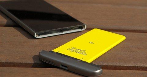 Por qué no volverán los móviles con baterías extraíbles (a pesar del batterygate)