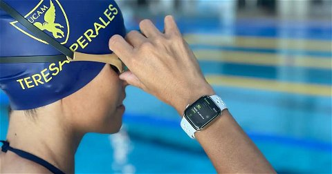 La nadadora española Teresa Perales usa un Apple Watch para preparar los Juegos Paralímpicos de Tokio